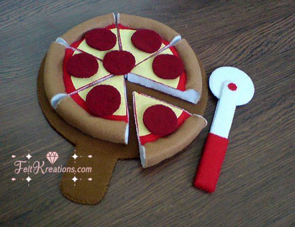 felt pepperoni pizza pattern