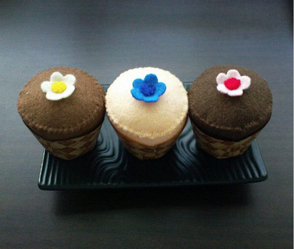 Cute felt cupcakes sewing patterns