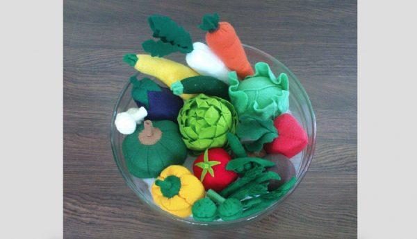 felt patterns vegetables pretend play set